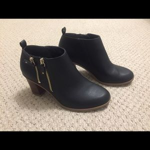 Dr. Scholl's Black Ankle Boots Size 9